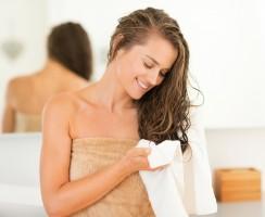 Wie sollten Sie die Haare richtig ausbürsten?